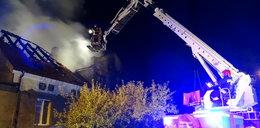 Matka z dziećmi spłonęli w pożarze domu FILM