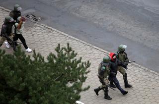 Białoruś: Ponad 500 osób zatrzymanych podczas niedzielnych protestów
