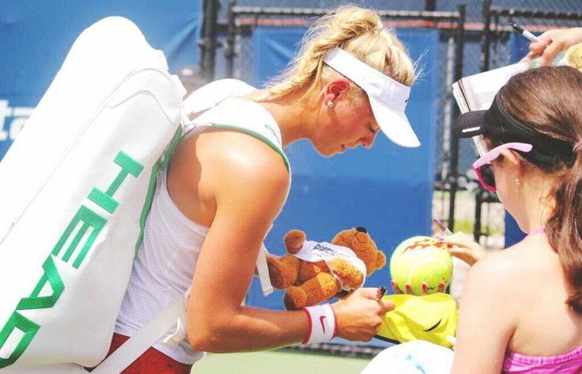 Kibice są nią oczarowani. Nowa femme fatale tenisa!