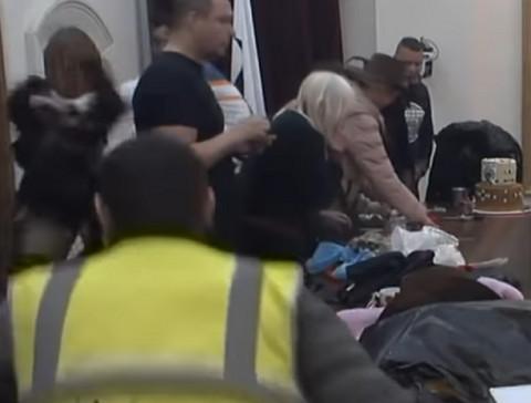 HAOS U SEKUNDI: Jelena Krunić nasrnula na pevača, on se odbranio, nastala opšta panika!