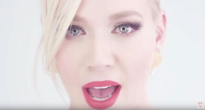 """Jelena Rozga u spotu za pesmu """"Moje proljeće"""""""