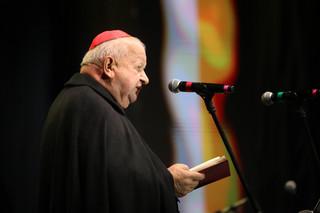 Kardynał Dziwisz: Zniesławiające zarzuty, które mają zniszczyć moją służbę na rzecz papieża Jana Pawła II