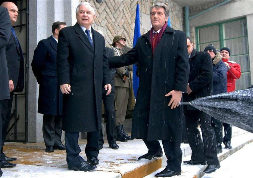 Juszczenko. 11 godz. jechał na pogrzeb