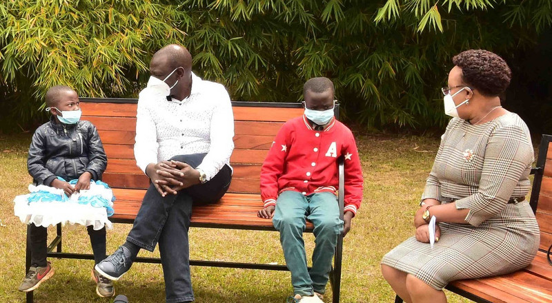 DP Ruto meets Nyandarua kids caught on camera fighting over pencil and rubber
