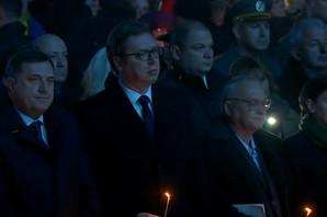 DAN SEĆANJA NA ŽRTVE BOMBARDOVANJA Vučić u Aleksincu: Kada nema krivca, kako se onda zove zločin?