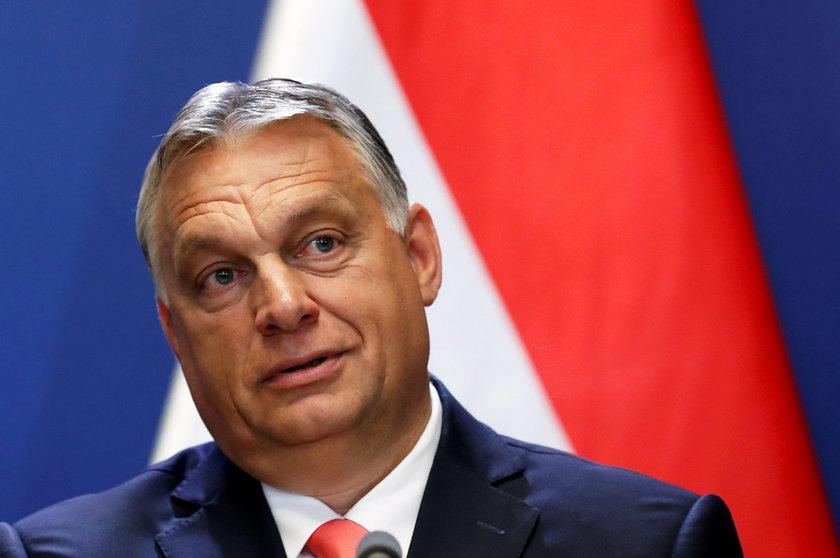 Węgrzy kupują szczepionki Sputnik.