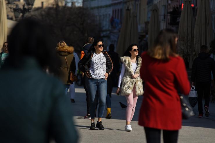 Novi Sad046 lepo vreme prolece u gradu foto Nenad Mihajlovic