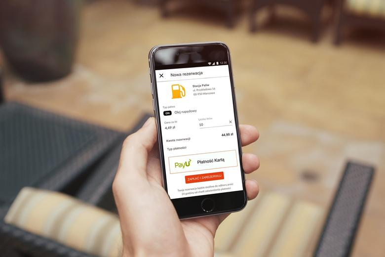 Aplikacja służy do rezerwacji paliwa i mobilnych płatności. Gotówka na stacji nie jest potrzebna