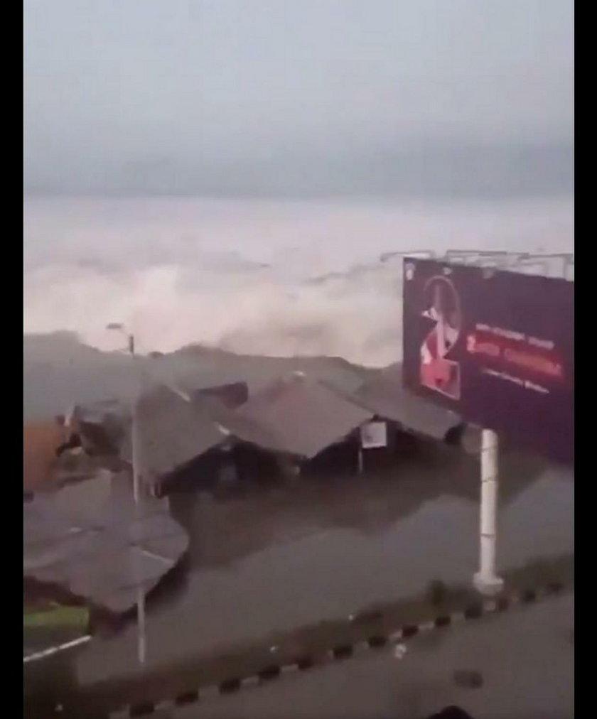 Potężne tsunami uderzyło w wyspę. Przerażające nagranie