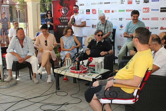 "Darko Bajić i deo ekipe filma ""Ime naroda"""