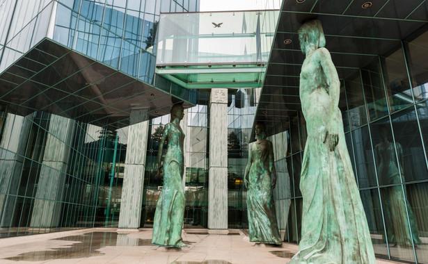 Siedziba Trybunału Stanu mieści się w tym samym budynku, w którym znajduje się Sąd Najwyższy