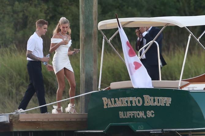 Biber i Hejli imaju dva datuma za proslavu godišnjice braka