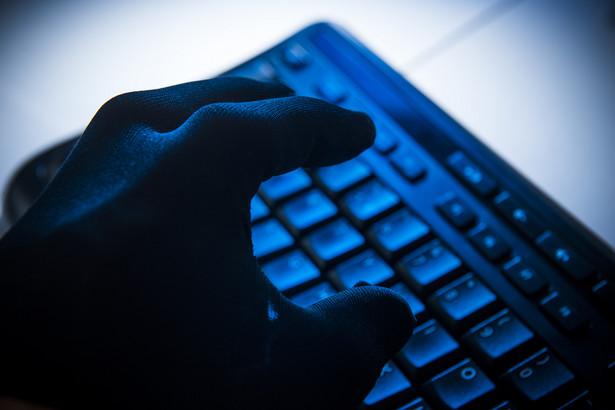 Internet rządzi na świecie, w Polsce - telewizja