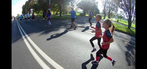 Vasja Radišić trči sa bratom u Zagrebu