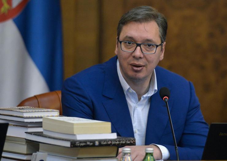 aleksandar vučić knjige sednica vlade02 foto Tanjug R. Prelić