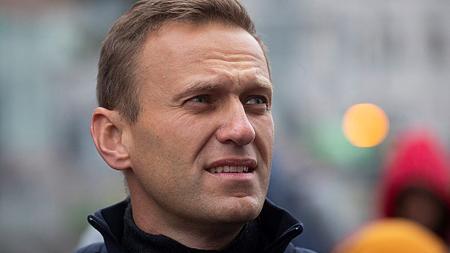 Körözést adott ki Moszkva a betiltott Navalnij-alapítvány igazgatója ellen