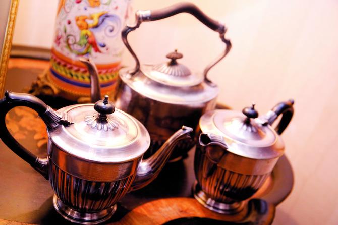 Pribor za čaj se u svakoj kući držao na vidnom mestu