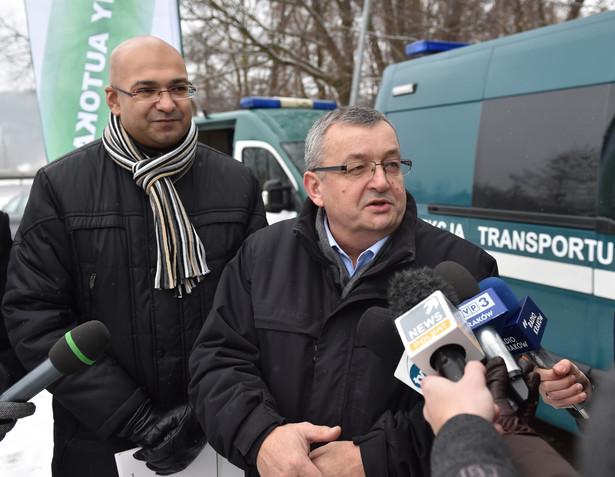 Minister Infrastruktury i Budownictwa Andrzej Adamczyk oraz Główny Inspektor Transportu Drogowego Alvin Gajadhur