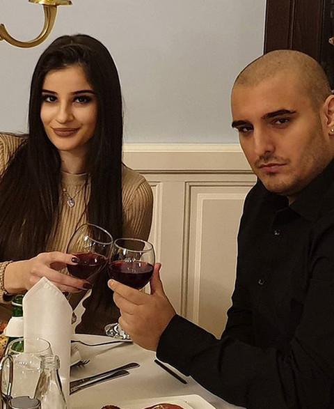Oglasila se verenica Darka Lazića prvi put nakon porođaja: Evo šta je poručila pevaču!