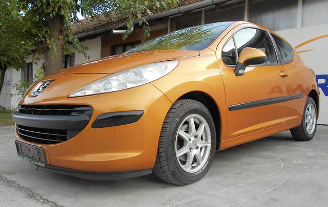 03-Peugeot-207