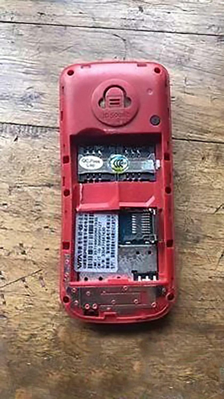 Chiny. Telefon eksplodował w dłoni 11-letniego Menga Jisu'ego
