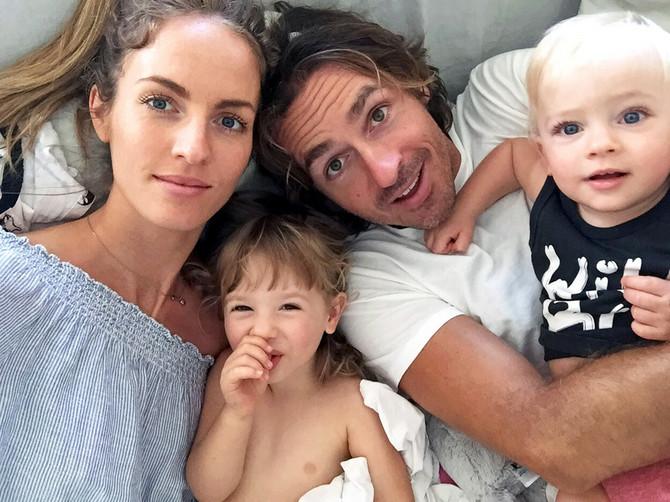 Sara sa porodicom