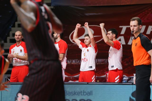 Detalj sa meča KK Crvena zvezda - Olimpijakos