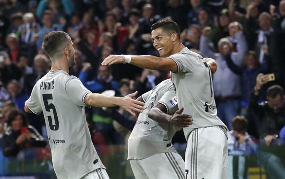 Kristijano Ronaldo sa saigračima iz Juventusa