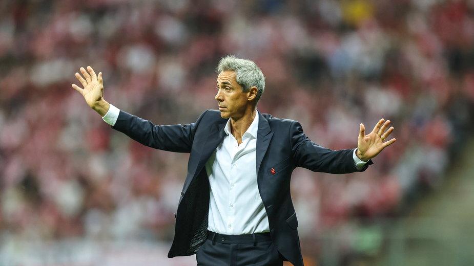 Paulo Sousa zauważa, jak wielka odpowiedzialność spoczywa na barkach jego zespołu