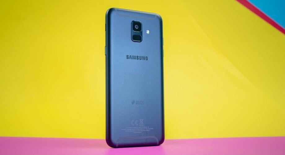 Samsung Galaxy A6 im Test: mit Oled-Display und Micro-USB