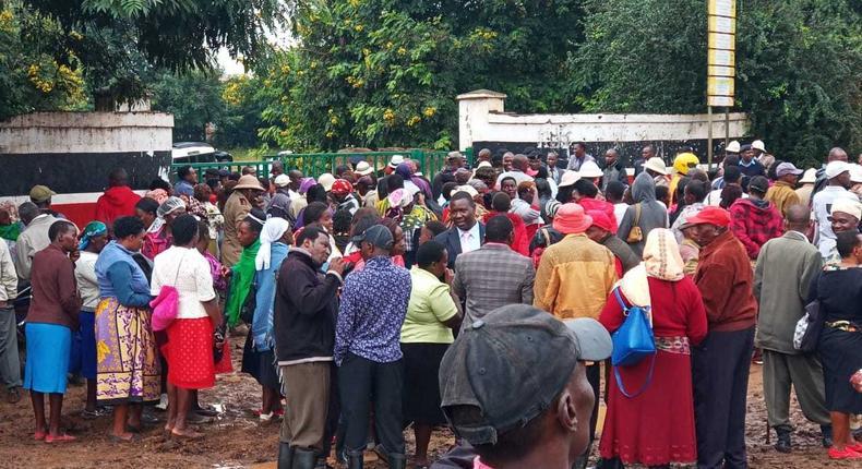 Drama as journalists and locals bundled out of Uhuru's event in Kirinyaga