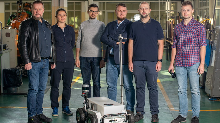Ten robot ma pomóc w walce z pandemią. Stworzyli go naukowcy ze Szczecina
