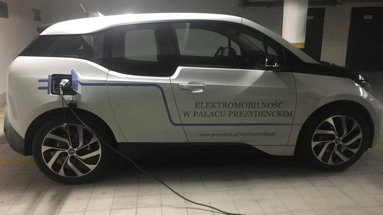 Elektryczne BWM prezydenta Dudy