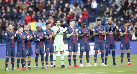Fudbaleri Pari Sen Žermena su prethodnog vikenda odali počast preminulom Sali