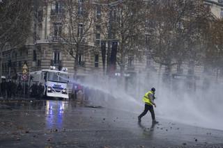 Gdy wyjście na ulice to jedyne rozwiązanie. Protesty w Europie przybierają na sile [WYWIAD]