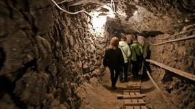 """Bochnia - otwarcie nowej trasy turystycznej w kopalni """"Końska Droga z przeprawą łodzią"""""""