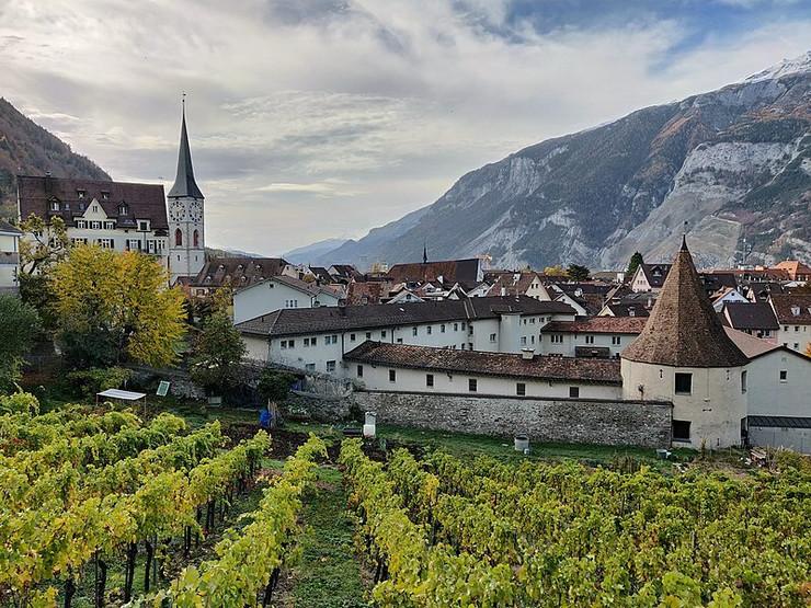 Hur Švajcarska