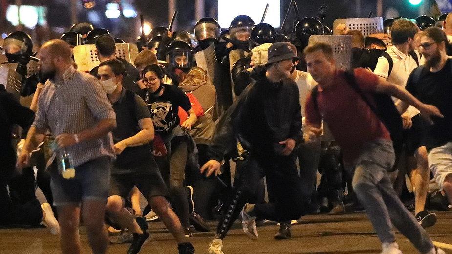 Białoruś. Wybory prezydenckie. Do starć protestujących z policją doszło w kilku miastach