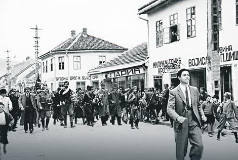 Četnici na ulicama Užica