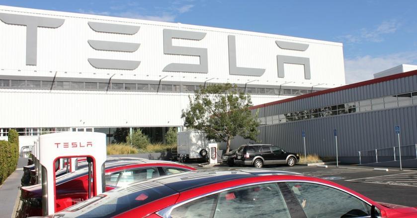 Fabryka Tesli w kalifornijskim Fremont