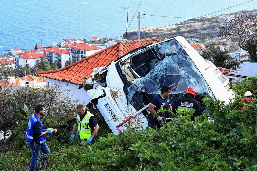 Wypadek autobusu pełnego turystów na Mvaderze. Są zabici i ranni