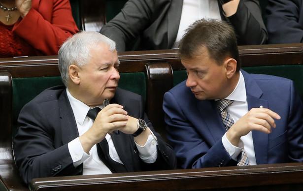 Mariusz Błaszczak i Jarosław Kaczyński. Fot. PAP/ PAweł Supernak
