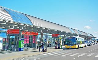 Lotnisko w Modlinie odradza się. Liczba obsługiwanych lotów szybko rośnie
