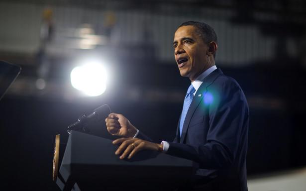 Gdy Barack Obama wysiadał pod koniec kwietnia z prezydenckiego Air Force One na lotnisku w Rijadzie, uprzejmościom nie było końca.