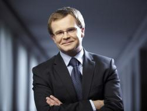 Ludwik Kotecki w latach 2009–2012 był pierwszym pełnomocnikiem rządu ds. wprowadzenia euro w Polsce. W Ministerstwie Finansów pracował prawie dwie dekady, od 2008 do 2012 r. był wiceministrem finansów, następnie głównym ekonomistą resortu. Później trafił na stanowisko zastępcy dyrektora wykonawczego w MFW w Waszyngtonie, które piastował do listopada 2016 r.