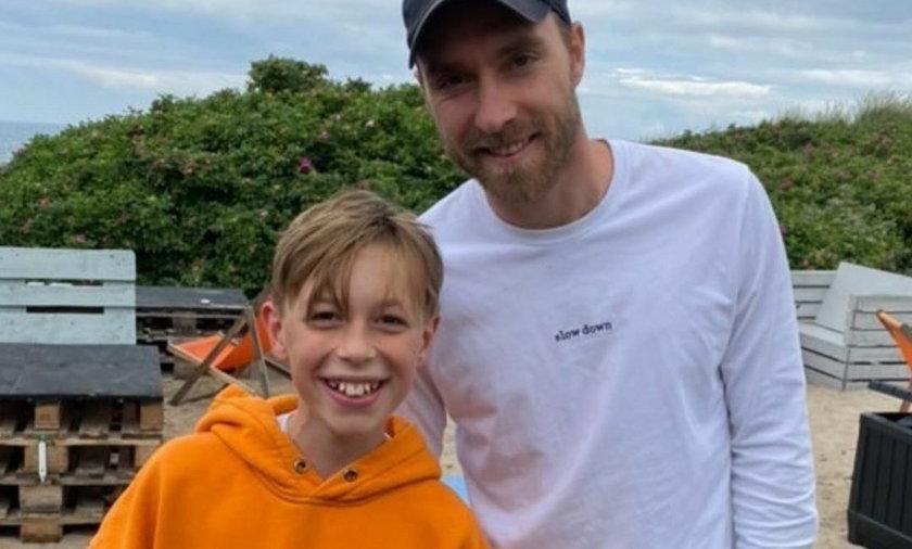 11-letni aktor i model Bjoern Bindzus przypadkowo spotkał na plaży Christiana Eriksena i zrobili sobie wspólną fotkę