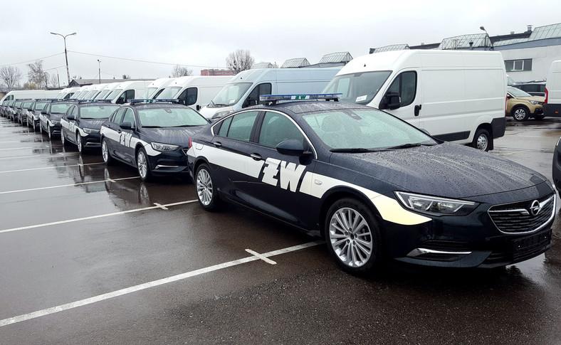 Opel Insignia Grand Sport w oznakowaniu Żandarmerii Wojskowej
