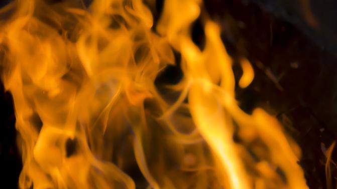Meghalt egy ember épülettűzben Kunszentmiklóson /Fotó: Northfoto