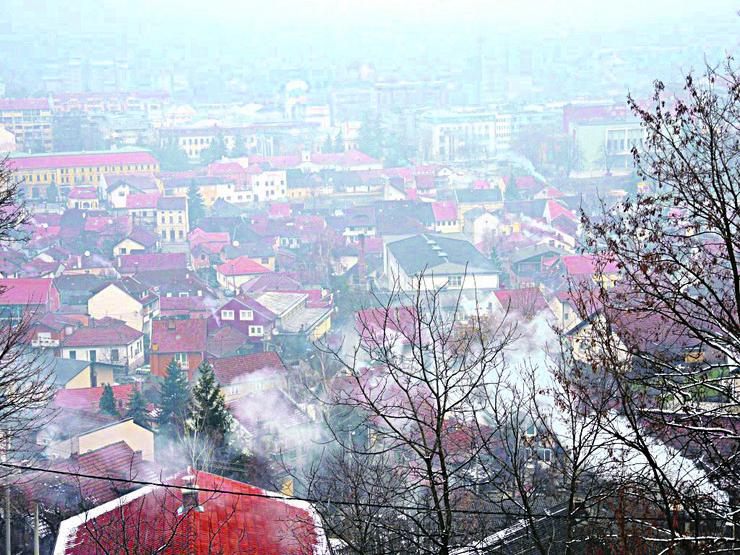 Zagadjenje vazduha pogled na Valjevo u smogu01_foto Predrag Vujanac
