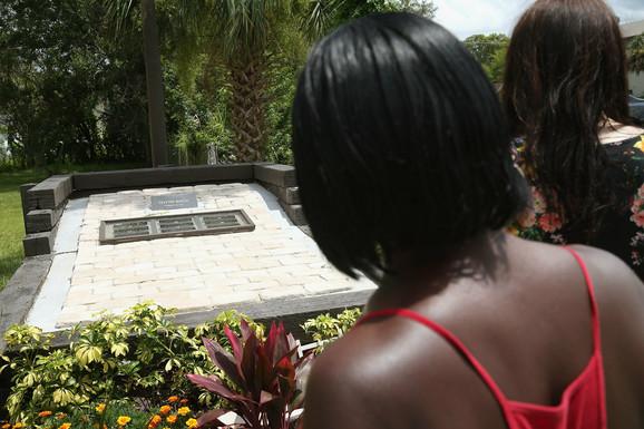 Spomen ploča Trejvonu Martinu u Senfordu, Florida
